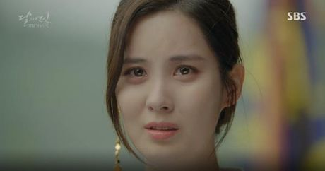 Nguoi tinh anh trang tap 19: IU duoc Lee Jun Ki ga cho em trai - Anh 8