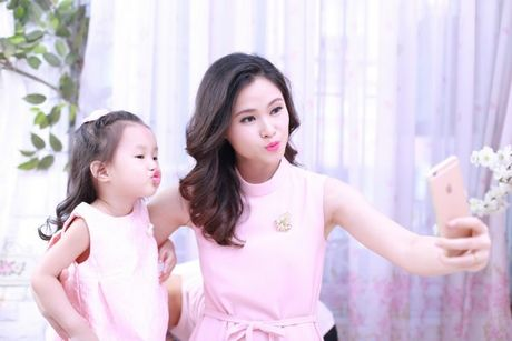 BTV Khanh Ly va 'tuyet chieu' day con noi tieng Anh troi chay tu 2 tuoi ruoi - Anh 5