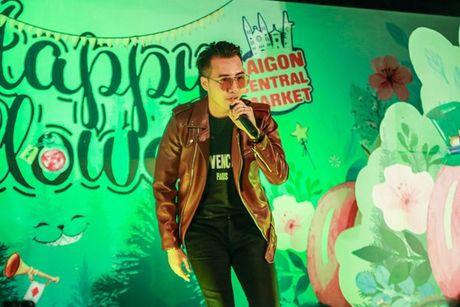 Noo Phuoc Thinh khien fan 'ban loan' giua trung tam Sai Gon - Anh 9