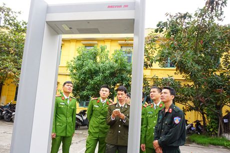 Trung doan CSCD Ha Noi tap huan su dung may soi, cong tu - Anh 1