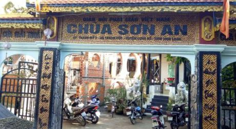 'Truy tim' chu khong tuoc xuat hien tai Sai Gon - Anh 1