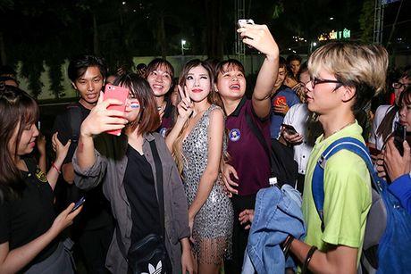 Trang Phap gay guoc sau su co on ao voi Son Tung M-TP - Anh 8