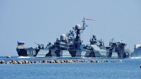 Nhung vu khi Nga khien phuong Tay phai de chung - Anh 1
