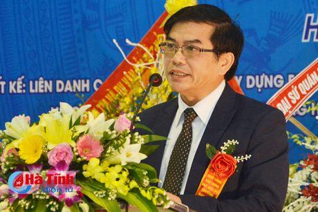 Hon 100 ty dong xay dung Nha hieu bo Truong Dai hoc Ha Tinh - Anh 4