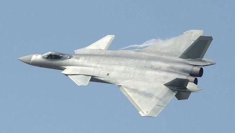 Trung Quoc lan dau khoe tiem kich tang hinh J-20 - Anh 1