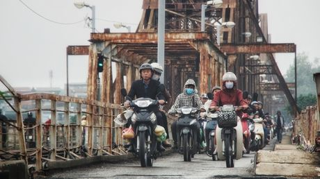 Can canh duong pho Ha Noi ngay tro ret - Anh 15