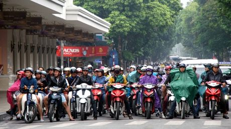 Can canh duong pho Ha Noi ngay tro ret - Anh 1