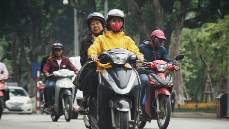 Can canh duong pho Ha Noi ngay tro ret - Anh 5