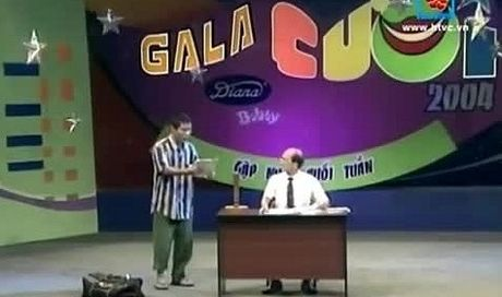 Clip: NSUT Pham Bang va vai dien de doi trong 'Gala cuoi 2004' - Anh 1