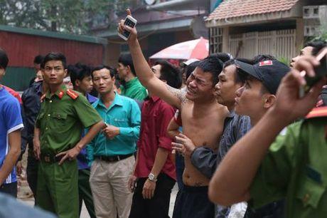Chay lon thieu rui nhieu quan karaoke tren duong Tran Thai Tong, Ha Noi - Anh 4