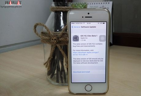 Apple phat hanh iOS 10.2 Beta voi nhieu cai tien - Anh 1