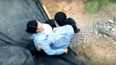 Bi hai hau truong phim Viet: 'Ok, em biet roi, anh yen tam' - Anh 2