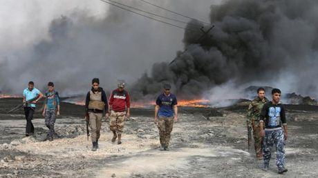 Quan Iraq bat dau danh vao sao huyet Mosul cua IS - Anh 1