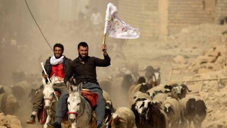Quan Iraq bat dau danh vao sao huyet Mosul cua IS - Anh 2