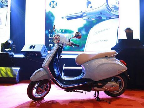 Chiec Vespa can trung doc nhat vo nhi tai Viet Nam co gia 19.000 USD - Anh 1