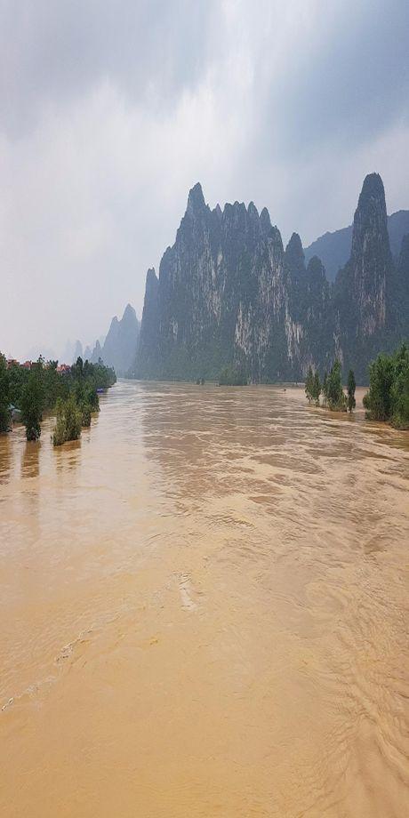 Quang Binh: Lu lon hang ngan ho dan ngap nang - Anh 9