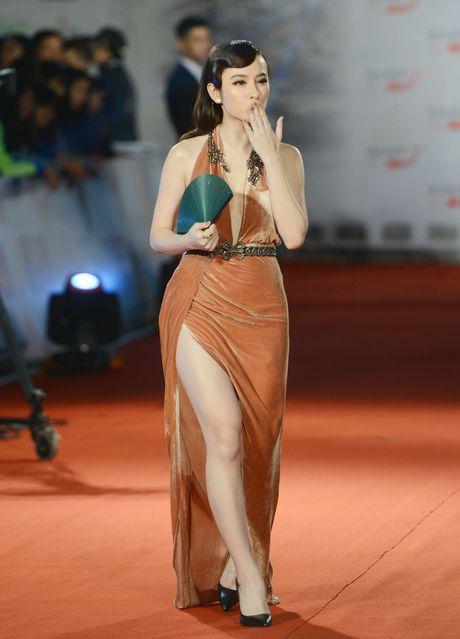 Mac vay xe tao bao, Angela Phuong Trinh lam nao loan tham do - Anh 1