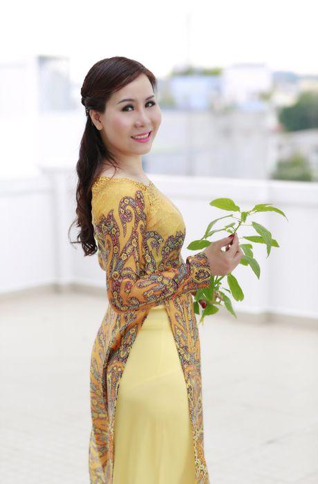 Nu hoang Kim Chi dep diu dang trong ta ao dai hoang gia - Anh 1