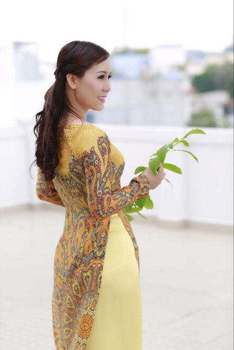 Nu hoang Kim Chi dep diu dang trong ta ao dai hoang gia - Anh 3