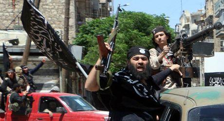 Khung bo bat ngo tan cong Aleppo, gan 400 nguoi thuong vong - Anh 1