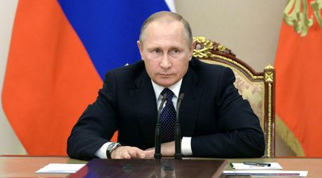 Tong thong Putin dinh chi thoa thuan hat nhan Nga-My - Anh 1