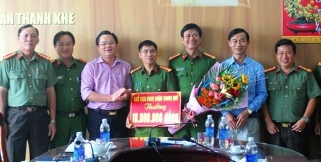 Nguoi giup viec danh thuoc me, cuop tai san cua ong chu Han Quoc - Anh 1