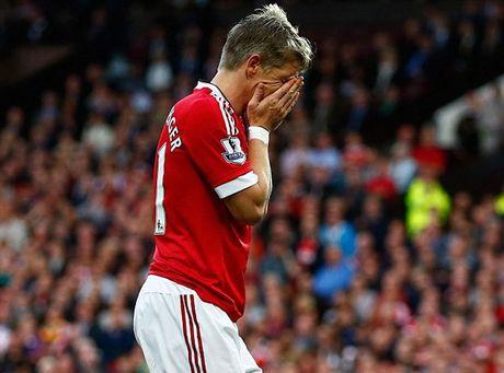 Mourinho cho Schweinsteiger tap tro lai voi Man Utd - Anh 8