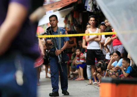 My dinh chi thuong vu ban 26.000 khau sung truong cho Philippines - Anh 1
