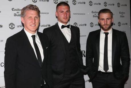 Schweinsteiger lich lam ben Mourinho trong tiec tu thien cua Man United - Anh 1