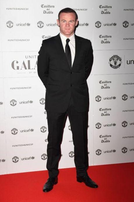 Schweinsteiger lich lam ben Mourinho trong tiec tu thien cua Man United - Anh 5