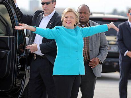 Ba Clinton da chuan bi phao hoa o New York mung thang cu - Anh 1