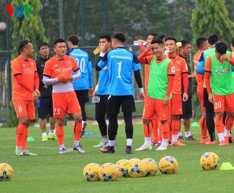 DT Viet Nam hao hung voi bai tap 'ky la' chuan bi dau voi Indonesia - Anh 12