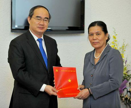 Trao quyet dinh nghi huu cho nguyen Chu tich Hoi LHPN Viet Nam - Anh 1