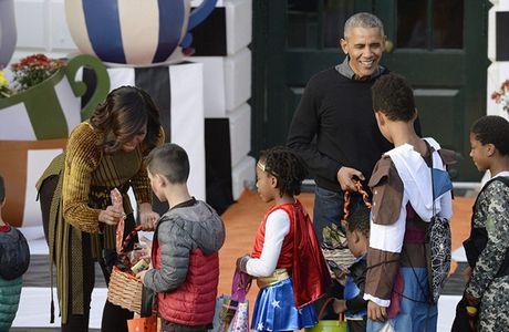 Hinh anh Halloween cuoi cung cua Tong thong Obama o Nha Trang - Anh 3