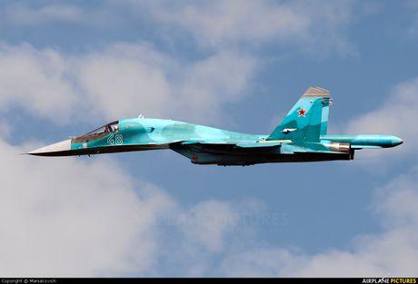 Nga: Vung Vien Dong tiep nhan may bay nem bom Sukhoi Su-34 - Anh 1