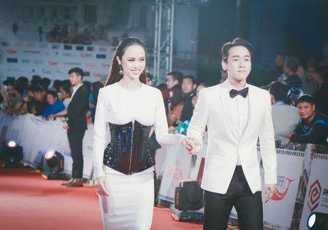'Dung hinh' vi thay Phuong Trinh mac bao trong dem Ha thanh - Anh 10