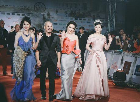 'Dung hinh' vi thay Phuong Trinh mac bao trong dem Ha thanh - Anh 18