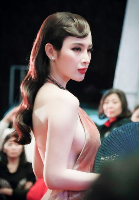 'Dung hinh' vi thay Phuong Trinh mac bao trong dem Ha thanh - Anh 1