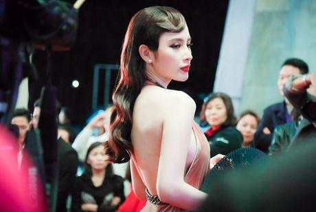'Dung hinh' vi thay Phuong Trinh mac bao trong dem Ha thanh - Anh 2