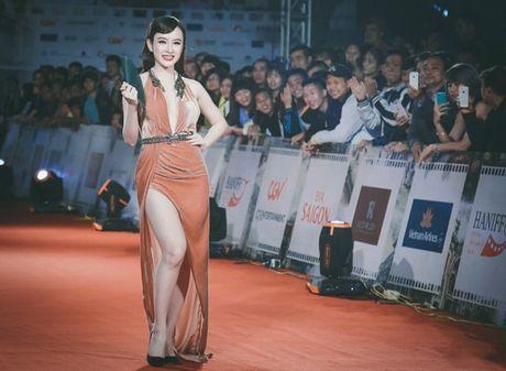 'Dung hinh' vi thay Phuong Trinh mac bao trong dem Ha thanh - Anh 4