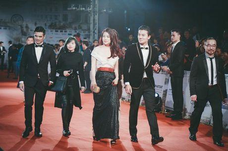 'Dung hinh' vi thay Phuong Trinh mac bao trong dem Ha thanh - Anh 9
