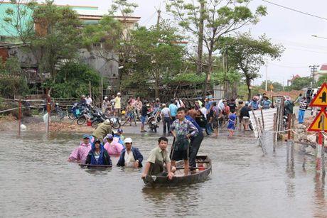 Sau Hue, thuy dien Quang Nam dong loat xa lu - Anh 3