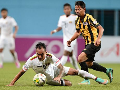Malaysia tap giua trua chuan bi quyet dau Viet Nam tai AFF Cup 2016 - Anh 1