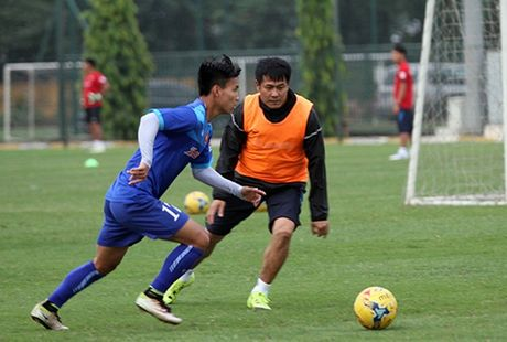 Diem tin chieu 02/11: HLV Huu Thang mo cua cho tat ca, Tottenham don tin vui - Anh 1