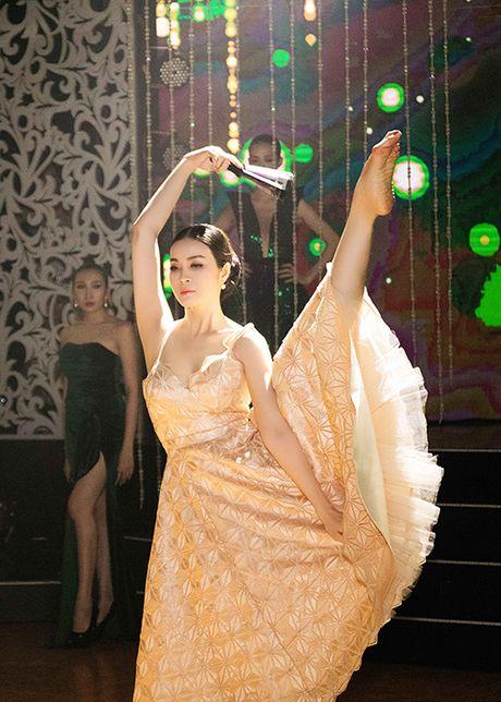 MC Thanh Mai tro tai mua quat tren truyen hinh - Anh 5