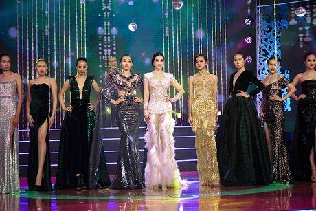 MC Thanh Mai tro tai mua quat tren truyen hinh - Anh 8