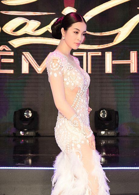 MC Thanh Mai tro tai mua quat tren truyen hinh - Anh 9