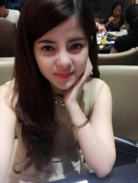 Them nhieu phien ban Ngoc Trinh gay sot mang Viet - Anh 6