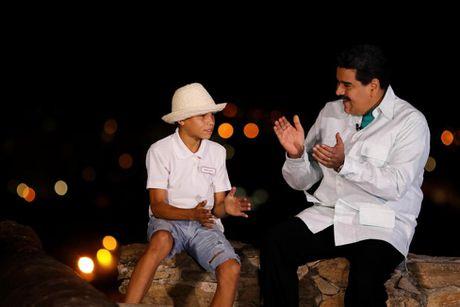 Chum anh Tong thong Venezuela giao luu voi cong chung - Anh 6