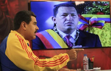 Chum anh Tong thong Venezuela giao luu voi cong chung - Anh 9